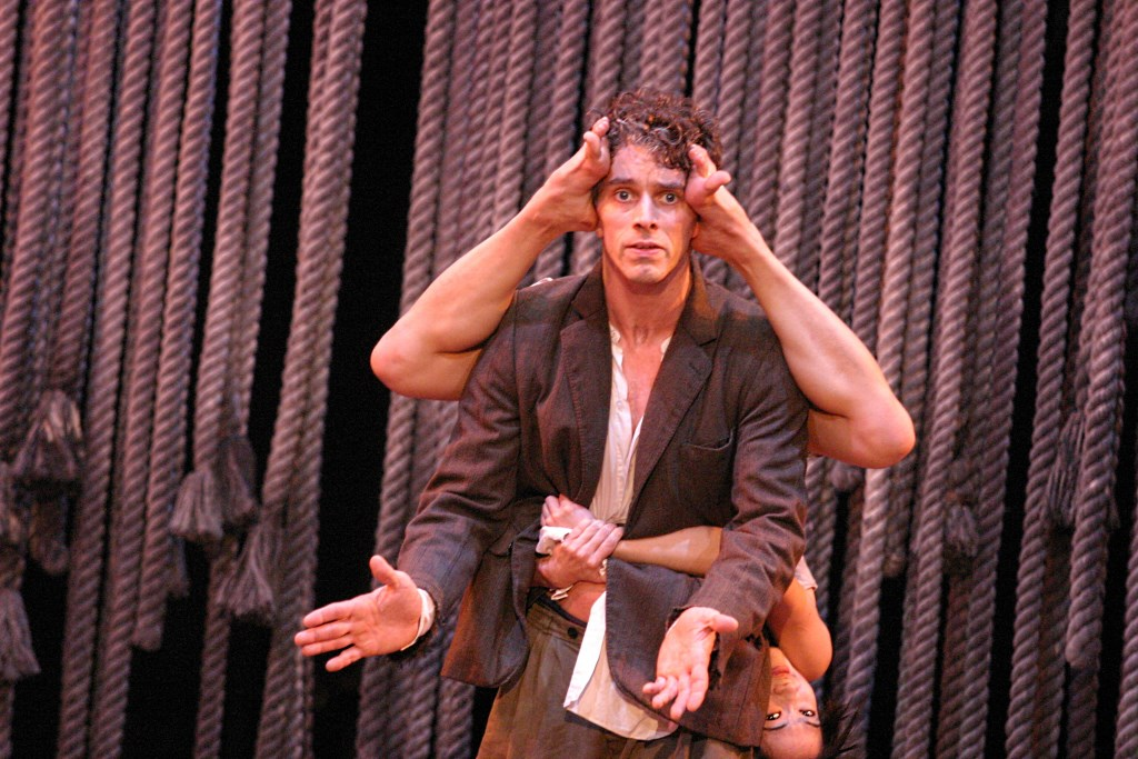 Au revoir parapluie de la compagnie du hanneton - Les trois coups au theatre ...