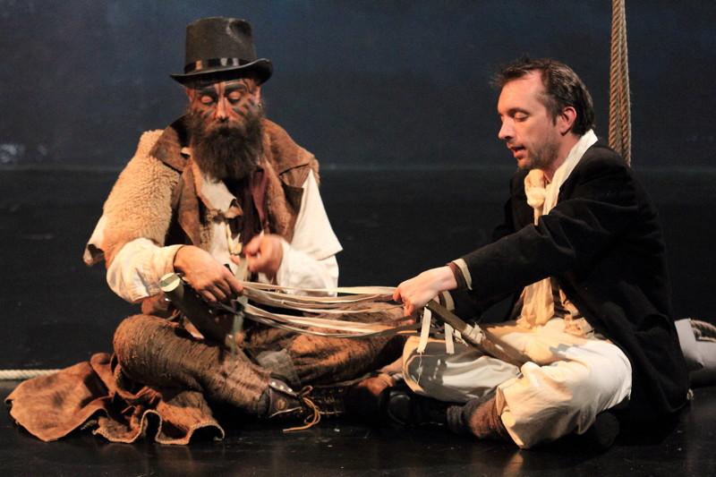 Ishmaël (Mathieu Mottet) et Queequeg (Fabrice Tanguy) dans « Moby Dick» mis en scène par Chantal Melior © DR