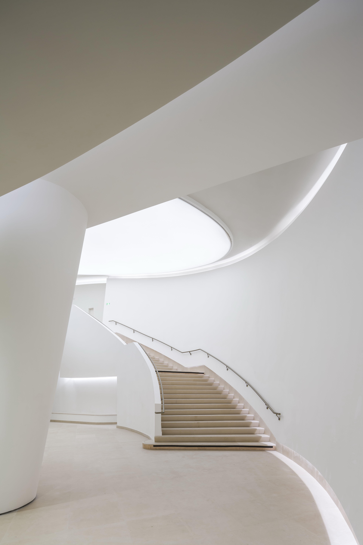 L'escalier qui relie le hall Gémier au hall Vilar © Sergio Grazia – Brossy & Associés