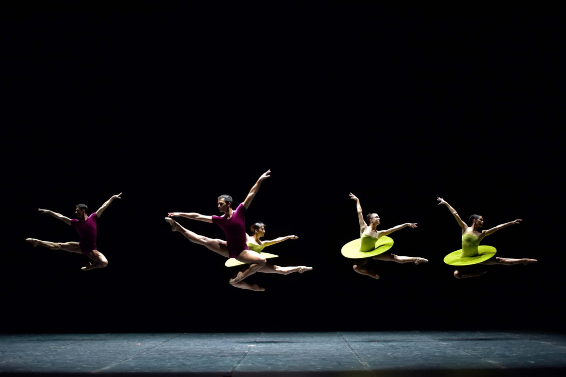 """The Vertiginous Thrill of Exactitude"" – Chorégraphie de William Forsythe © Jesus Vallinas"