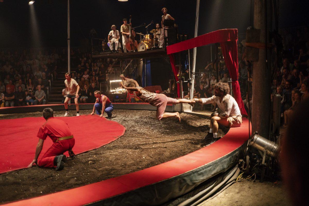 Une-Saison-de-cirque-Cirque-Aïtal