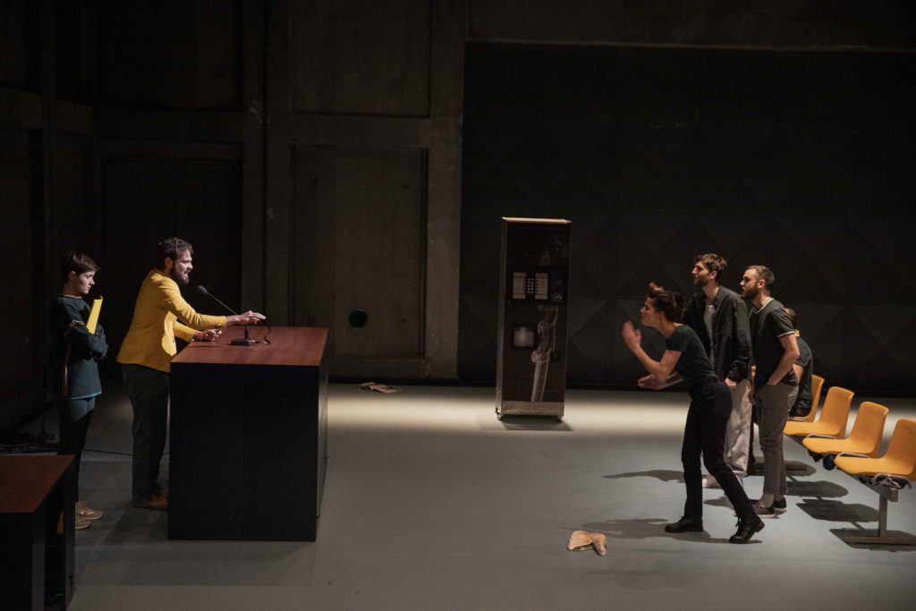 « Meute » de Perrine Gérard – Mise en scène de Julie Guichard © Michel Cavalca