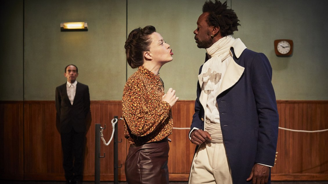 Que-viennent-les-barbares-myriam-marzouki-theatre-en-mai-tdb-dijon © Christophe Raynaud de Lage