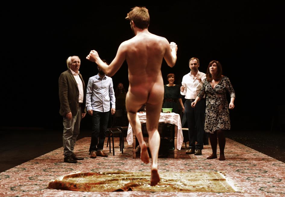 «Tout le monde ne peut pas être orphelin» – Mise en scène de Jean-ChristopheMeurisse © PhilippeLebruman