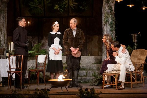 « l'Heureux Stratagème » au Théâtre Edouard VII © Bernard Richebé