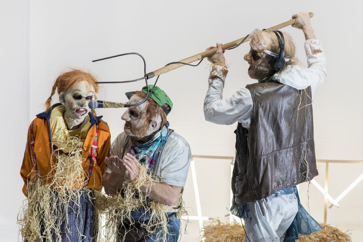 Farm-fatale-Philippe- Quesne © Martin Argyroglo