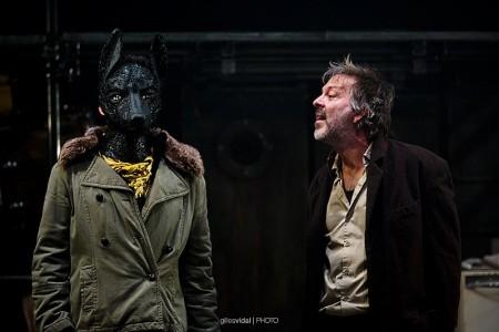 Dialogue d'un chien avec son maître sur la nécessité de mordre ses amis © Gilles Vidal