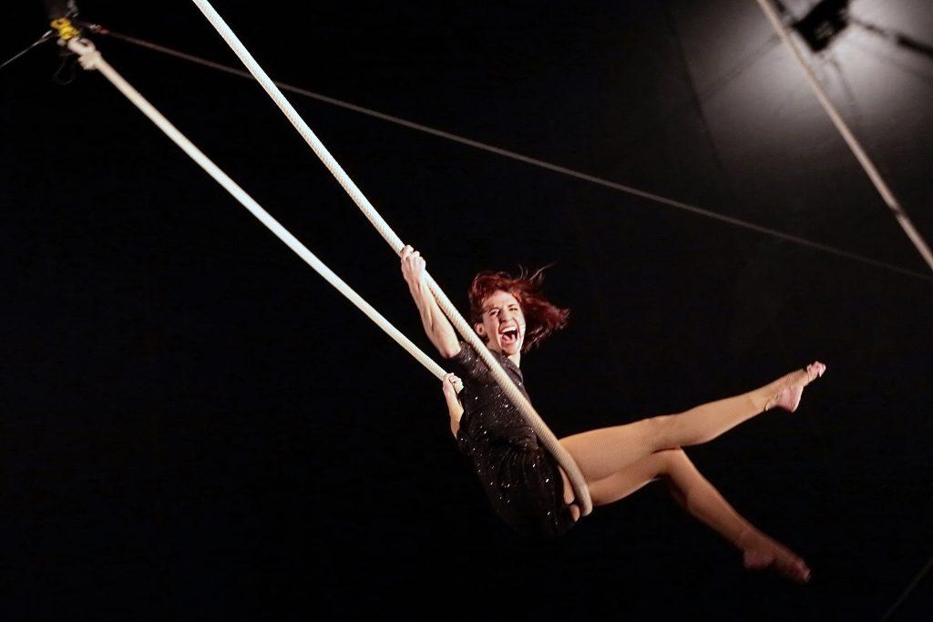 Cabaret lectrique cirque lectrique paris les trois coups - Le cirque electrique porte des lilas ...