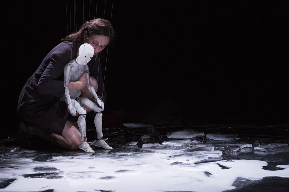 Théâtre de l'Entrouvert - Anywhere © Vincent Beaume