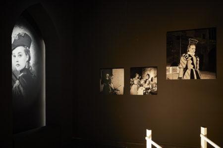 «Je suis vous tous qui m'écoutez. Jeanne Moreau, une vie de théâtre » © Christophe Raynaud de Lage / Festival d'Avignon