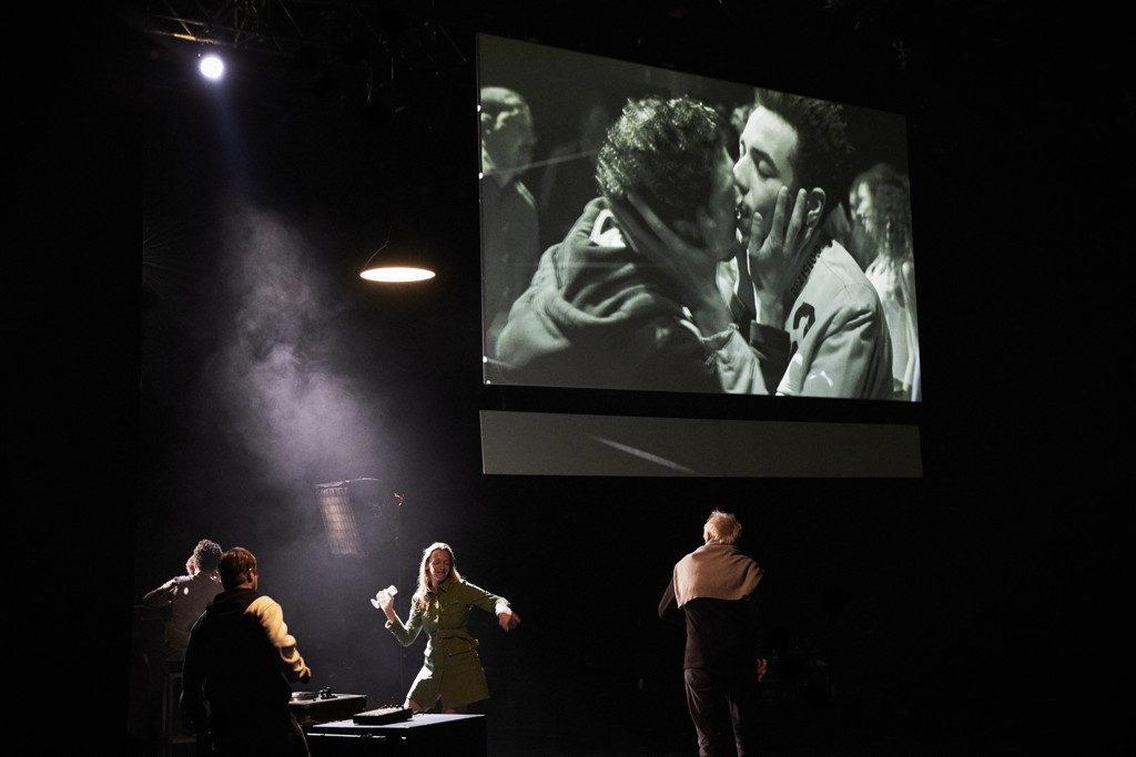 « La Reprise – Histoire(s) de théâtre (I) » de Milo Rau © Christophe Raynaud de Lage