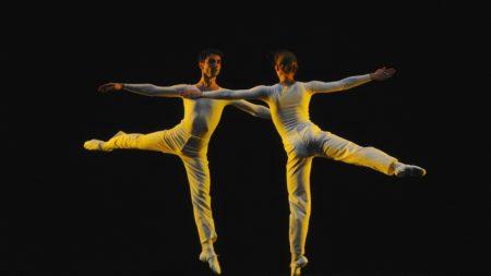 «Dance» de LucindaChilds ©JaimeRoquedeLaCruz