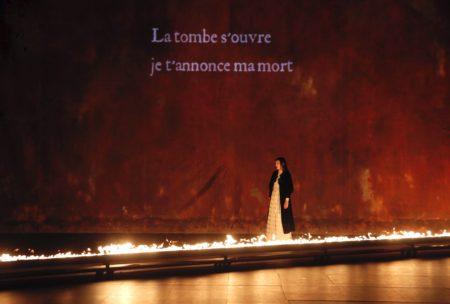 Le-Jeu-des-ombres-Valere-Novarina-Jean-Bellorini © Raynaud-de-Lage